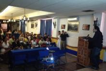 El Dr. Michel Reyes dando una conferencia sobre Terapias Contextuales en el Centro Guerrerense de Terapia Cognitivo Conductual.